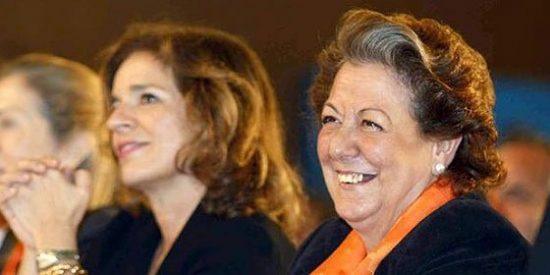 La caída en desgracia de dos alcaldesas arrastra al PP a un atolladero