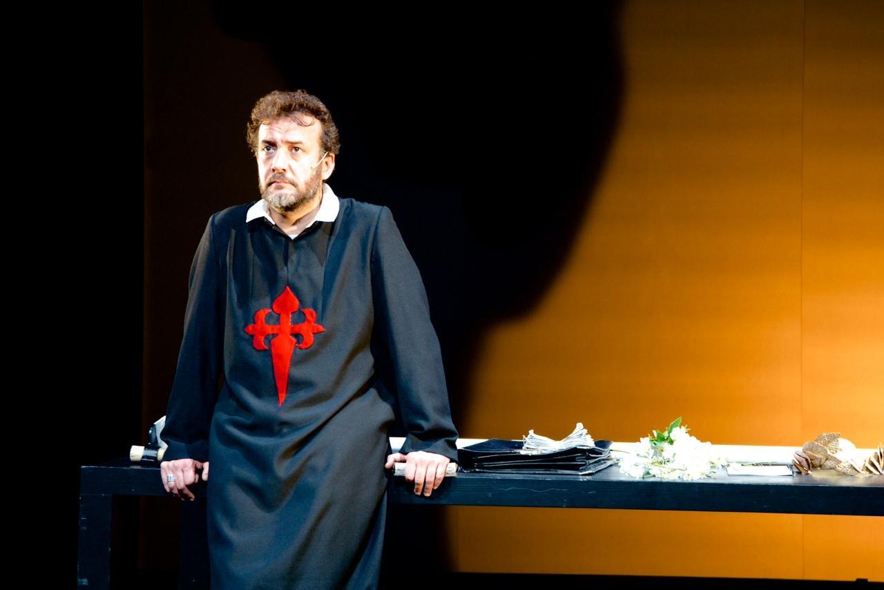 Se estrella Carlos Saura ante el gran teatro del mundo