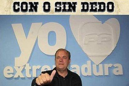 Los antidesahucios pegan carteles de 'Se busca' con la cara del presidente Monago