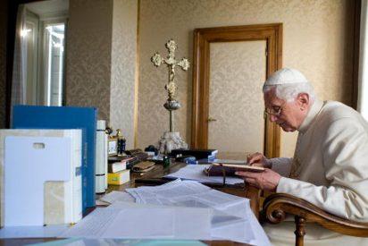Ratzinger volverá al Vaticano el 1 de mayo