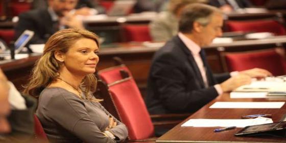 El STEI-i pide la dimisión de la diputada Aguiló por decir que hay profesores que hacen política en las aulas