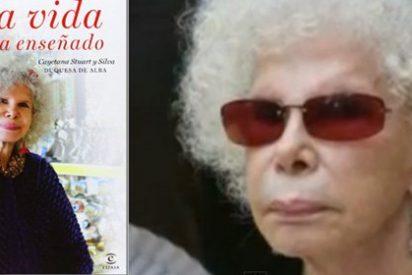 La Duquesa de Alba dedica a Alfonso y a sus hijos un nuevo libro en el que hace balance y recopila su filosofía de vida