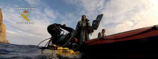 La Guardia Civil se sumerge en Baleares para evitar el expolio de yacimientos submarinos