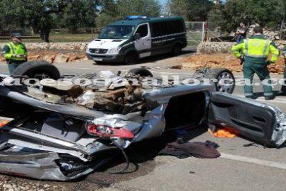 Muere una mujer alemana al colisionar su coche contra otro en la carretera de Campos