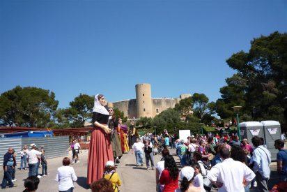 El Diumenge de l'Àngel dió cita en el Castillo de Bellver a casi 10.000 personas