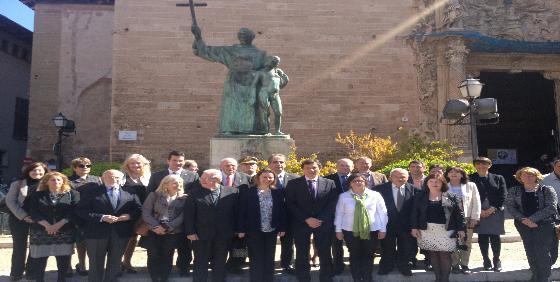 La basílica de Sant Francesc celebra por todo lo alto la marcha de Fray Juníper Serra