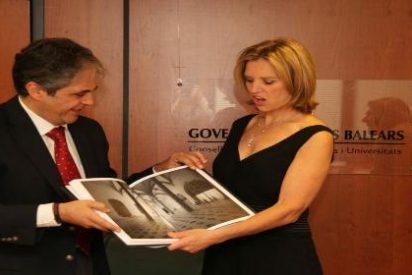 La hija del asesinado Robert F. Kennedy presenta a Bosch su programa educativo