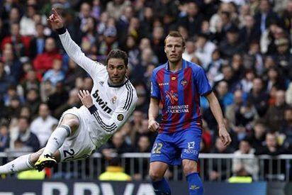 El Real Madrid golea 5-1 al Levante con la vista puesta en la Champions