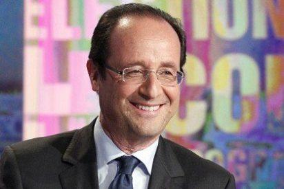 """La Gaceta: """"Hollande se queda solo en su defensa en 'gaymonio"""""""