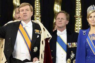 Beatriz abdica y Guillermo Alejandro se convierte en Rey de Holanda