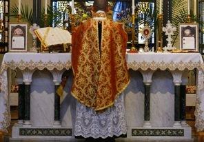 La misa con la que se hizo cura el Papa Francisco