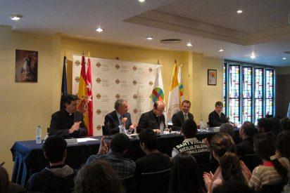 Munilla invita a los jovenes a cambiar los porros por el rosario