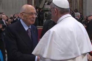 Francisco felicita a Giorgio Napolitano