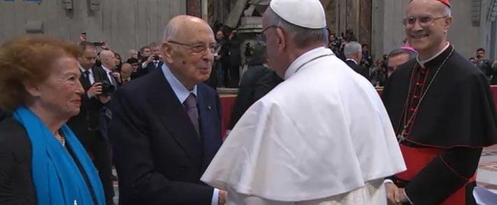 """Francisco, a Napolitano: """"Usted ha sido un ejemplo para mí"""""""