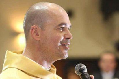 La Iglesia brasileña excomulga al sacerdote que defiende los derechos de los homosexuales