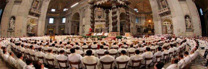 Francisco ordenará el domingo a 10 curas de Roma en San Pedro