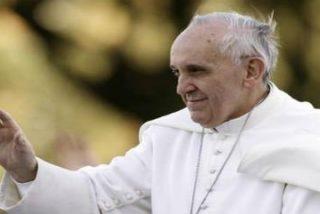 """Francisco: """"Dios es paciente con el hombre, al que siempre perdona porque lo ama"""""""