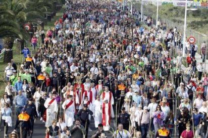 Miles de alicantinos peregrinan a la Santa Faz