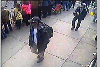 El FBI publica imágenes de los dos 'terroristas' del atentado de Boston