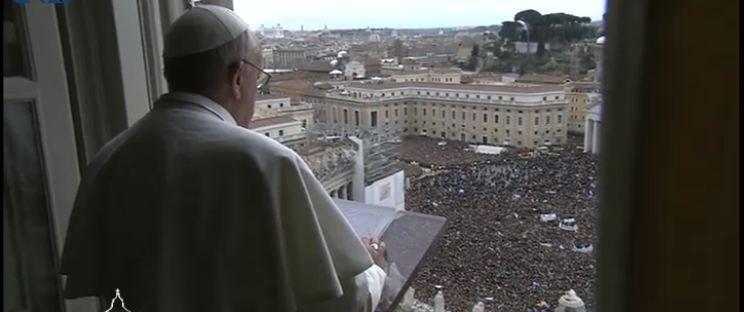 """Francisco proclama """"la bienaventuranza de la fe"""""""