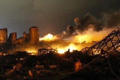 La explosión en la fábrica de Texas causa entre cinco y quince muertos