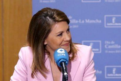 """Cospedal invita a mirar """"hacia delante"""" y lanza un paquete de medidas anti-crisis"""