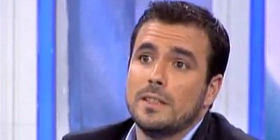 """Alberto Garzón: """"Los políticos no resuelven los problemas de la gente porque no quieren"""""""