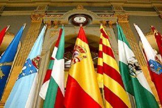 Rajoy reconoce 149 'embajadas' autonómicas pero dice no saber lo que cuestan