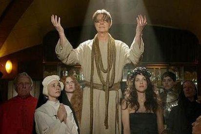 El videoclip de Bowie con religiosos y prostitutas que YouTube ha prohibido