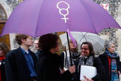 La Iglesia de Inglaterra vuelve a plantear el nombramiento de mujeres obispo