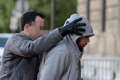 La Policía francesa captura al 'tipo de la chilaba' que apuñaló a un soldado en París