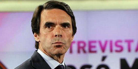 El misterio del 'look' de Aznar: pelo corto, bigote al rape y cejas arregladas
