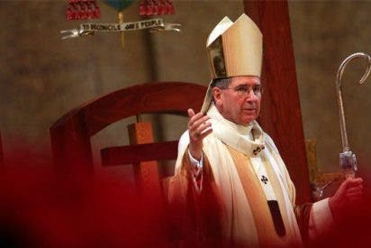 El cardenal Mahony vuelve a presidir celebraciones en Los Angeles