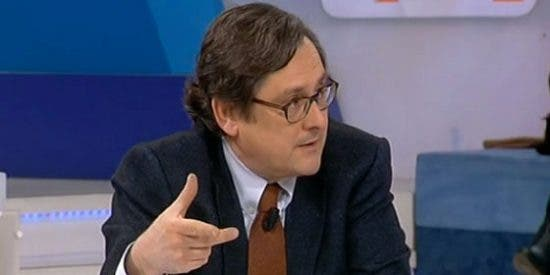 A Marhuenda no le llega la camisa al cuello tras las palabras de Aznar