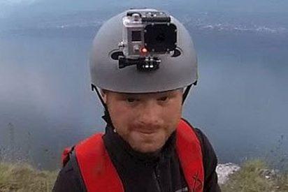Sobrevive sin poder abrir el paracaídas a un salto de 300 metros
