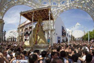 Más de medio millón de fieles acompañan a la Virgen del Rocío