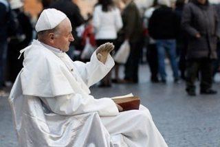Detienen a un artista callejero en Roma por parecerse a Juan Pablo II