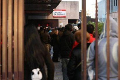 El paro bajó en España en 46.050 personas en abril de 2013