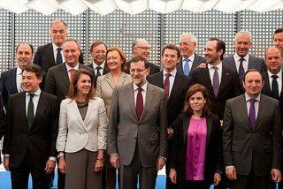 Rajoy dice a los barones que ni hubo 'acuerdo' ni habrá 'trato de favor' a Cataluña