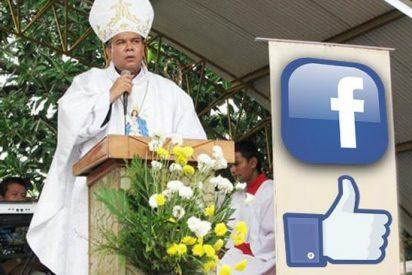 """""""Dios: ¿Quieres ser mi amigo en Facebook?"""""""