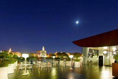 El restaurante Abades Triana reabre su espectacular terraza sobre el río Guadalquivir