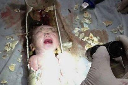 La madre del bebé tirado por el váter en China dice que se le escurrió en el parto