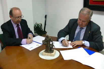 Acuerdo entre el Consejo Andaluz de Colegios de Médicos y la Fundación Juan Ciudad