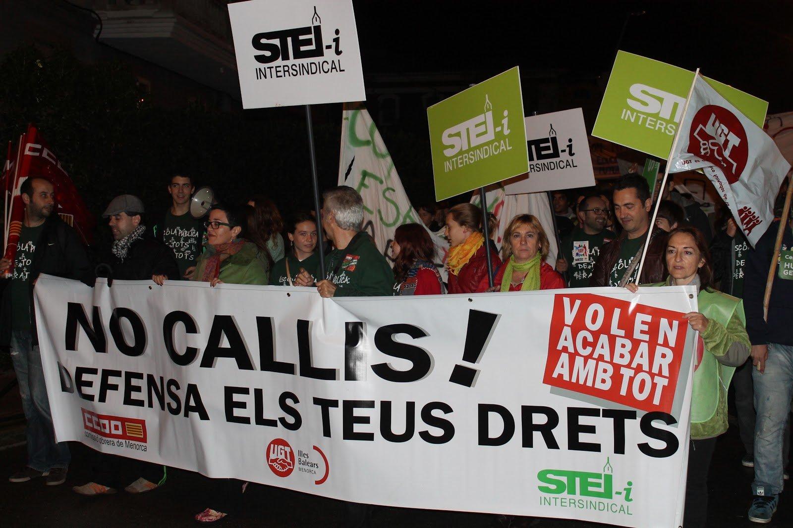 El Govern manda a la Guardia Civil y 'pone firmes' a una veintena de delegados del STEI