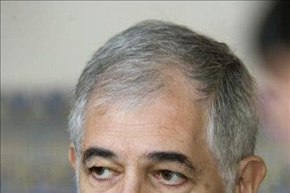 Un bocinazo de Soraya impidió que el PSOE colara a Gallardón el enemigo en casa