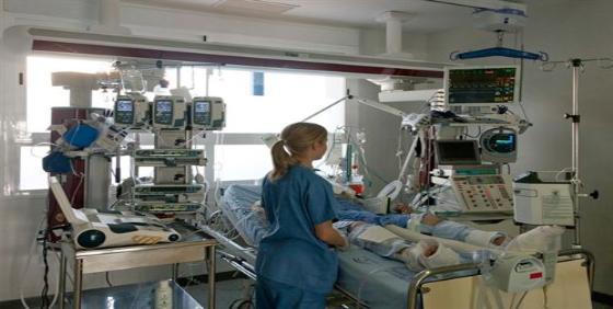 Los enfermeros esperan la sentencia del TSJB en castellano para recurrir el auto que les autoriza a dispensar fármacos
