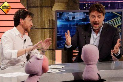 """Russell Crowe, asustado al llegar a 'El Hormiguero': """"¿Alguien ve ese programa? ¿Qué pasa con las hormigas?"""""""