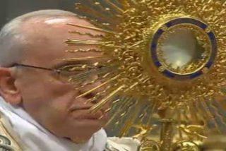 """El Papa preside en Roma la primera """"hora santa"""" mundial"""