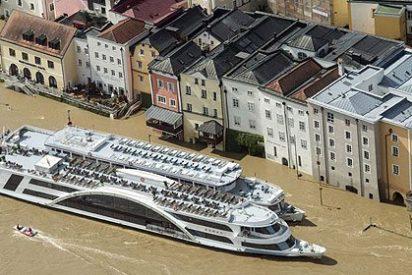 Las inundaciones obligan a evacuar a decenas de miles de personas en Centroeuropa