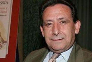 """Ussía ironiza sobre Telecinco: """"Vasile, el cónsul de Berlusconi en España, va a conceder libertad a sus tertulianos rosas y amarillos para que opinen sobre la sentencia"""""""